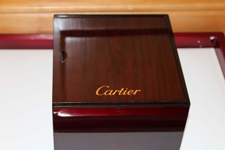 Cartier Edelholz Box mit Klavierlack Bezug für Uhren oder Schmuck 16 x 15 x 9 cm