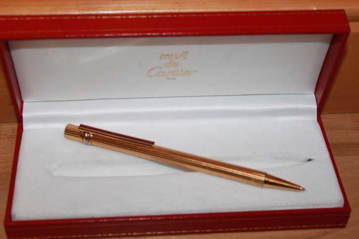 Cartier Trinity Bleistift in vergoldet mit Faden Guilloche Muster