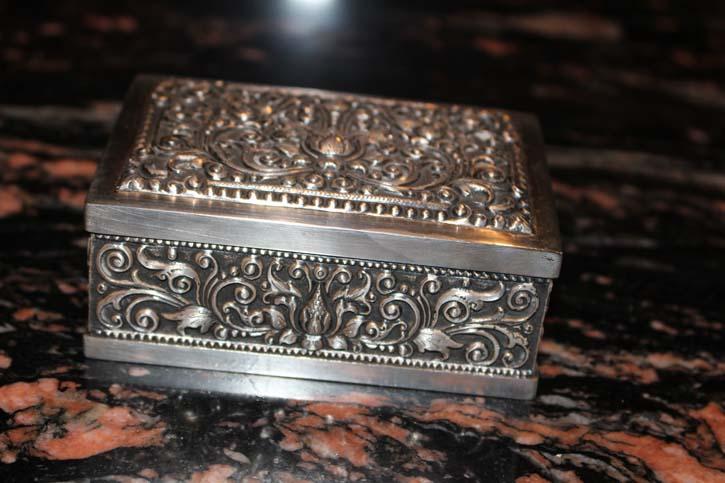 Florale Schmuck Box, Zigarettendose 800er Silber ca. 10,5 x 7,5 x 4cm & 259g