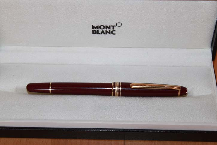 Montblanc Meisterstück N° 163 Roller Ball in Bordeaux & Gold