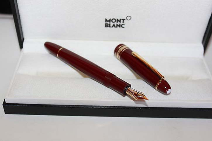 Montblanc Meisterstück Le Grand 147 Traveller Füller in Bordeaux