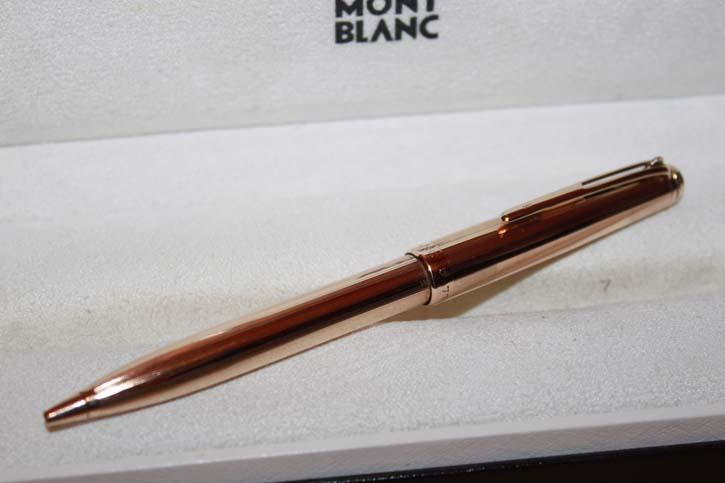 Montblanc Meisterstück Kugelschreiber N° 715 aus massiv 585er / 14 Karat Gold