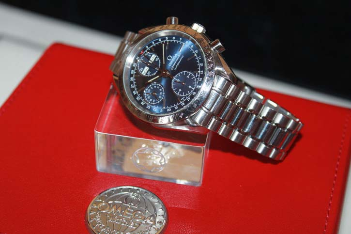 Omega Speedmaster Automatik Chronograph Triple Date in OVP