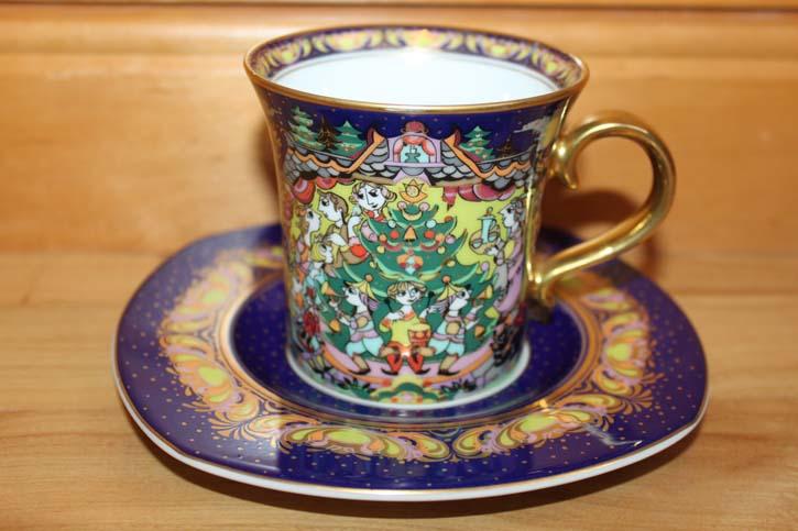 Rosenthal - Björn Wiinblad die Weihnachtstasse 1998 - Kaffee Tasse Gedeck