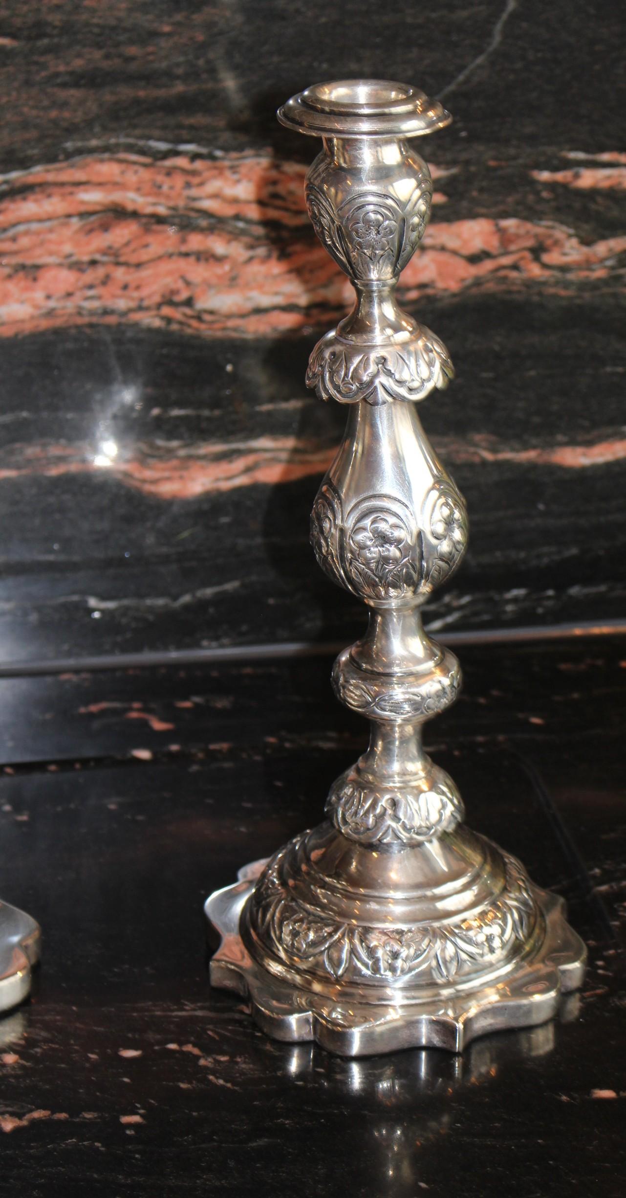 Antike Kerzenhalter